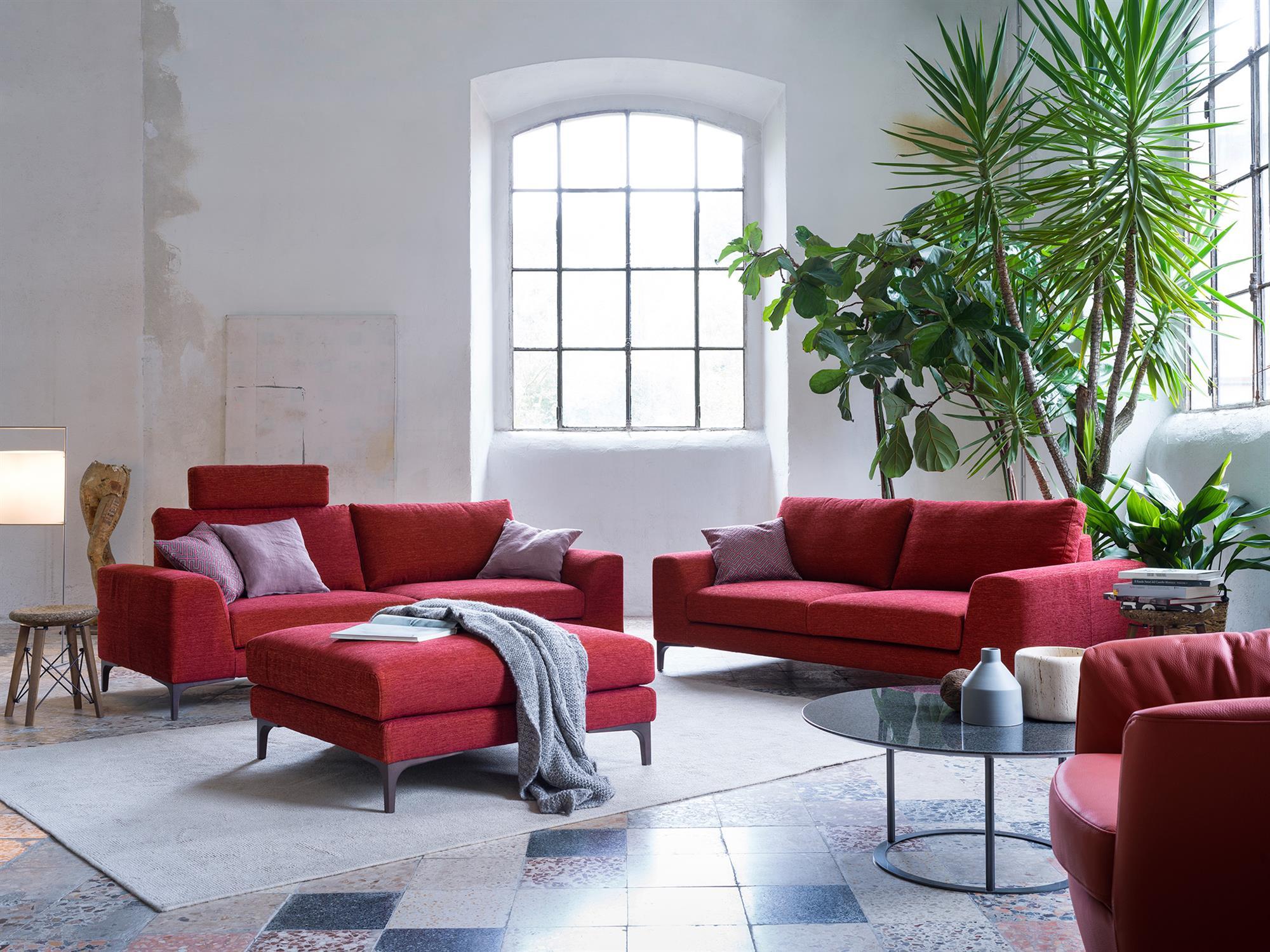 Caruso – Composizione divani e pouf – Tessuto Sintonia Rosso