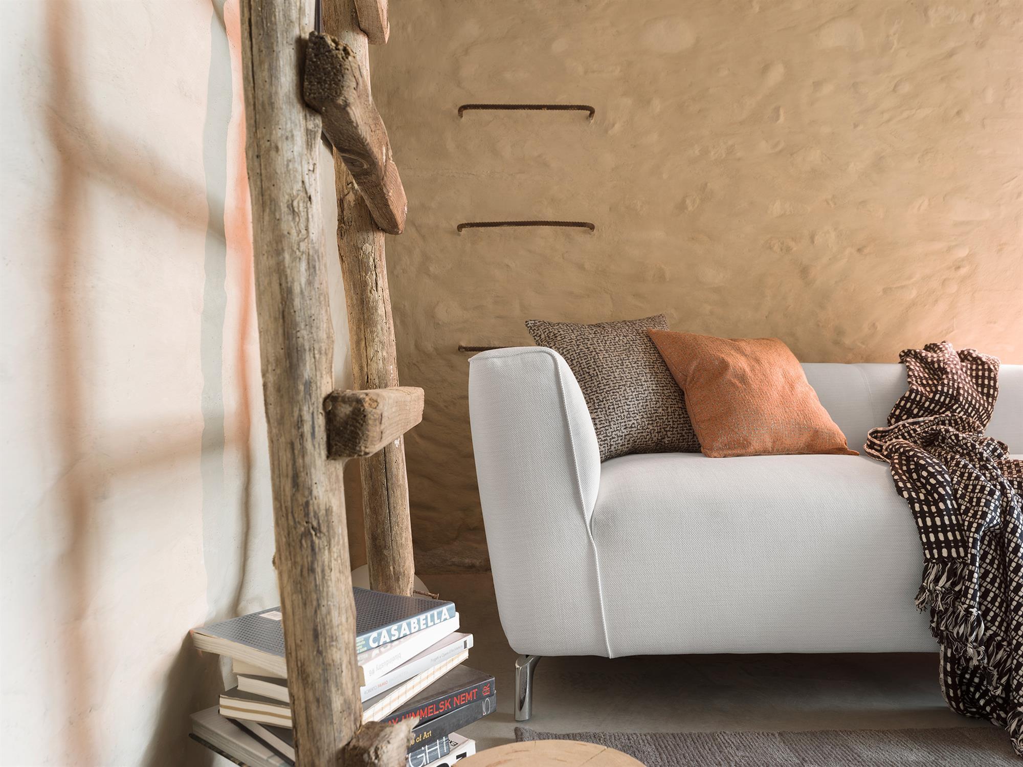 Canaletto – Nella semplicità delle forme si nascondono imbottiture multistrato, garanzia di morbido comfort e lunga durata nel tempo – 183×83 – Tessuto Club Nuvola