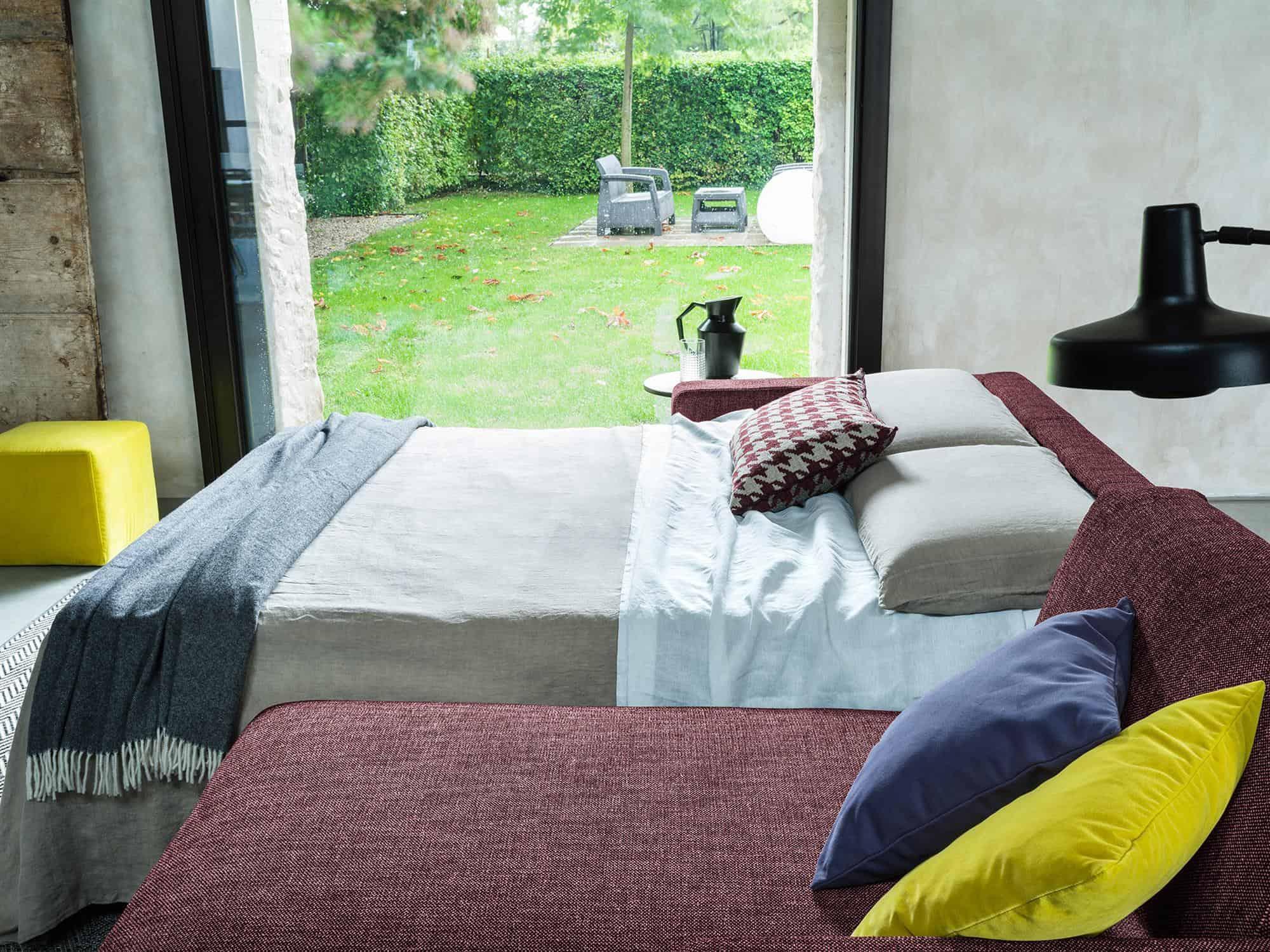 Amerigo large – Facile movimento di apertura del letto senza rimozione dei cuscini, anche su una composizione con chaise longue – 254×166(204) -Tessuto Scacco Granata