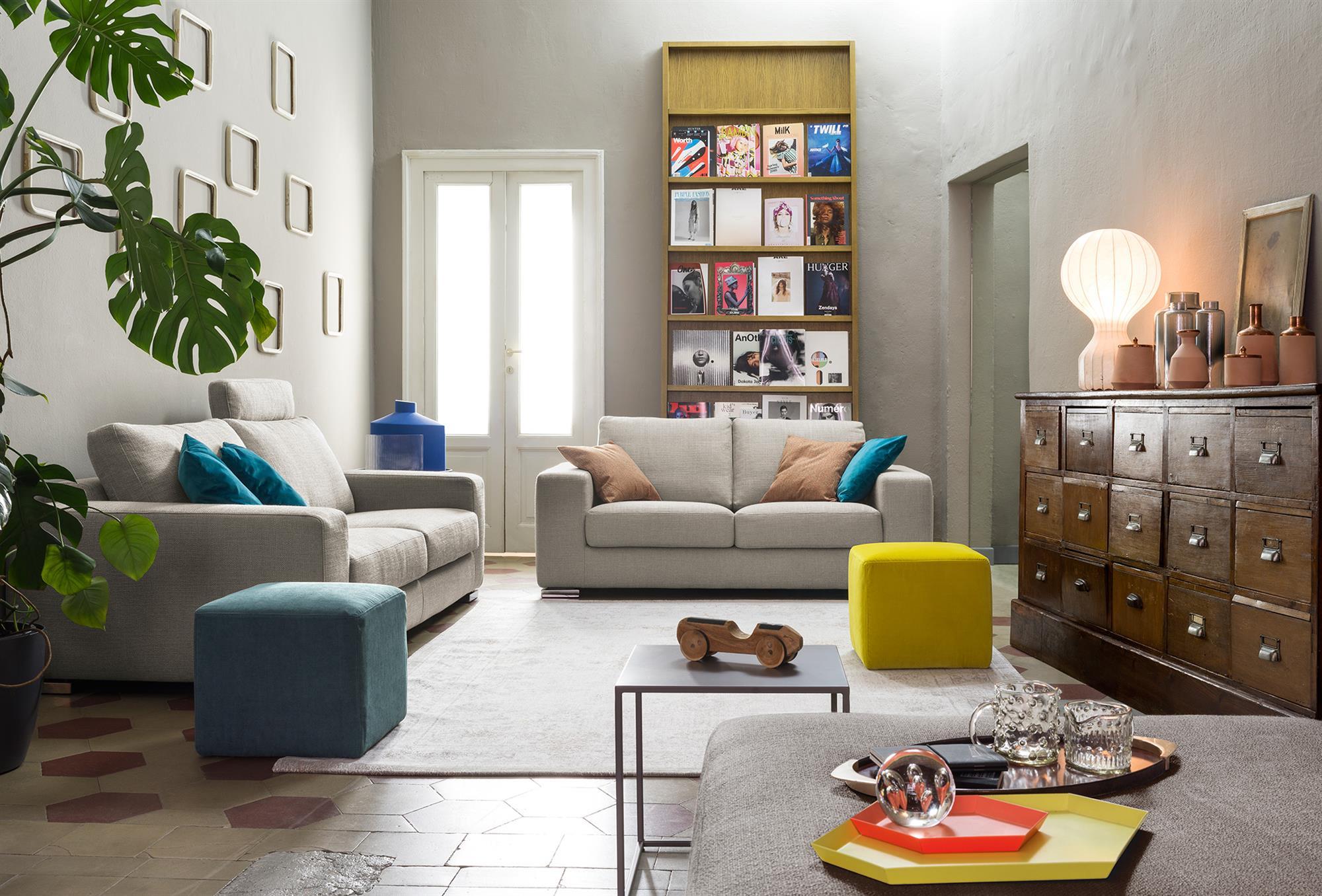Vittorio – Composizione divano 2 posti – 180×101 + 3 posti XL con poggiatesta – 220×101  – Diesis Perla