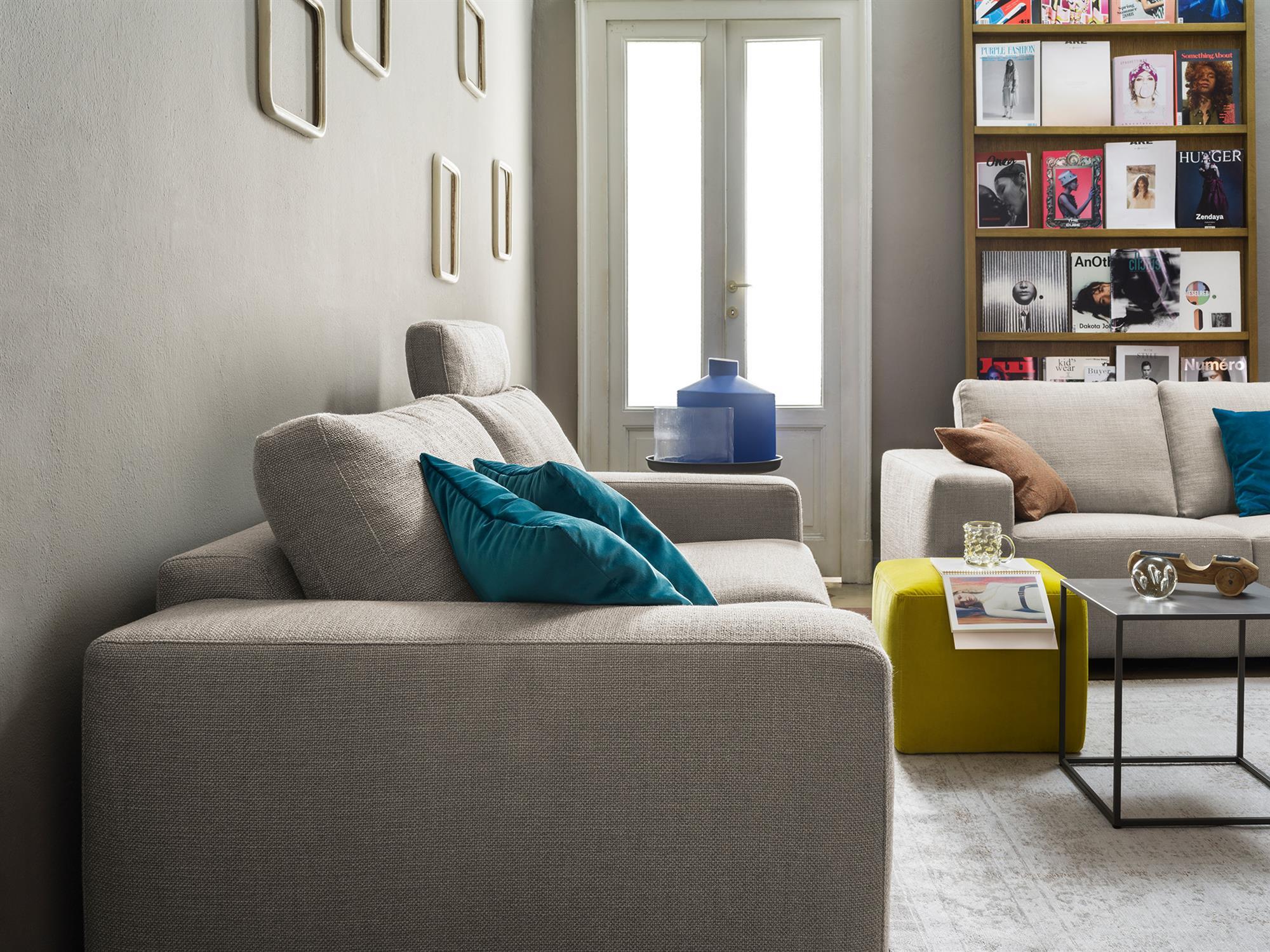 Vittorio – Divano senza tempo a cui basta un tocco di colore per rinnovarsi continuamente – 220×101  – Diesis Perla