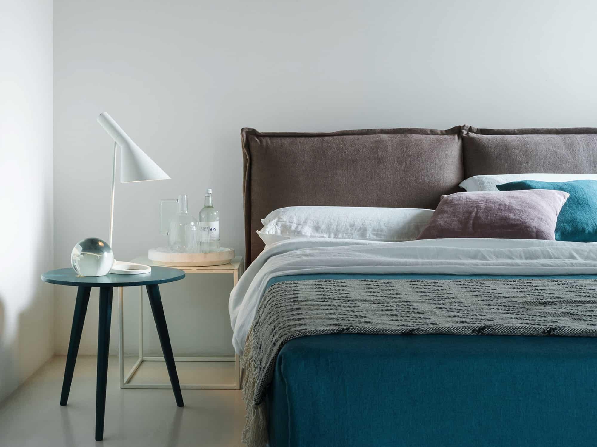 Levanto – Letto 2 piazze per materasso da 160×200 – Tessuto Idillio Visone e Corda
